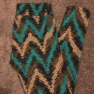 LuLaRoe leggings, (tall and curvy)